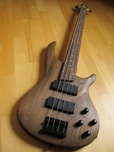 Paul Kreye Esche Bass 4 Saiter