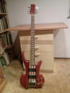 Bass Through Neck - G. Wirth (1)