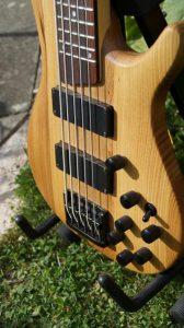 5-saiter-bass-uwe-beger-04-front-1
