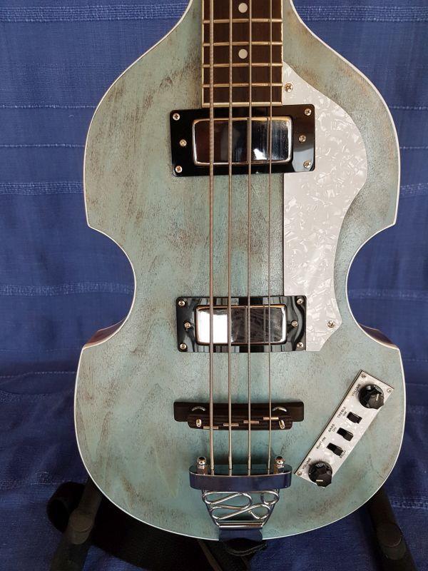 Beatles Bass – Guido Mondgenast