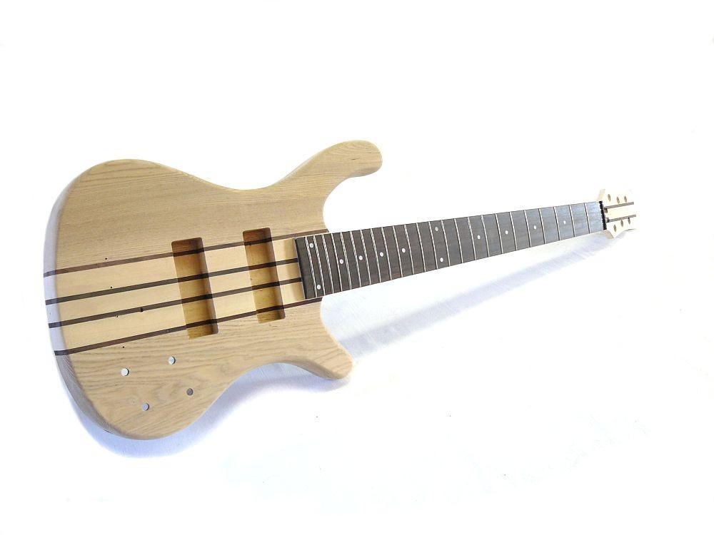 aktiver 6 Saiter E-Bass Bausatz Through Neck Esche Body