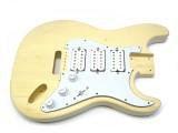 Korpus/Body I für E-Gitarre incl. Pickguard komplett 3 x Humbucker